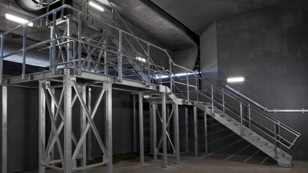 AWPR B T Bridges robust luminaires
