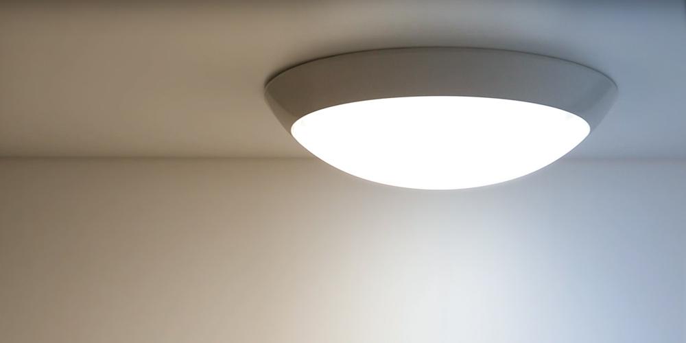 Tuneable white luminaires
